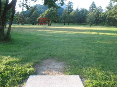 North Bonneville DGC, Main course, Hole 9 Tee pad