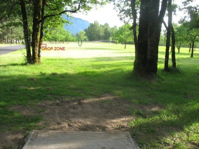 North Bonneville DGC, Main course, Hole 3 Tee pad