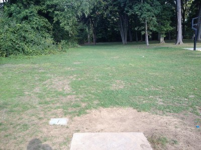 Parmalee Park, Main course, Hole 1 Tee pad