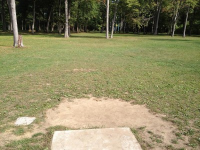 Parmalee Park, Main course, Hole 17 Tee pad