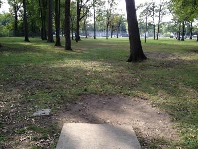 Parmalee Park, Main course, Hole 16 Tee pad