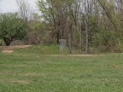 Grand Woods Park, Main course, Hole 10 Midrange approach