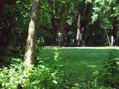 Grand Woods Park, Main course, Hole 3 Midrange approach
