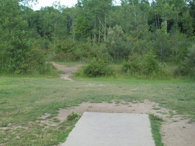 Grand Woods Park, Main course, Hole 13 Tee pad