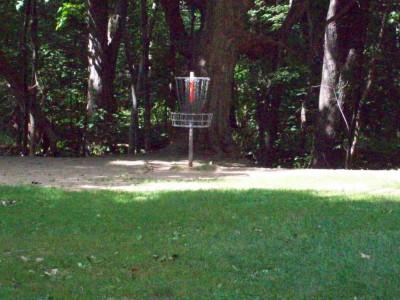 Grand Woods Park, Main course, Hole 3 Short approach