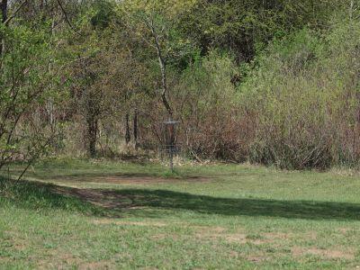Grand Woods Park, Main course, Hole 14 Short approach