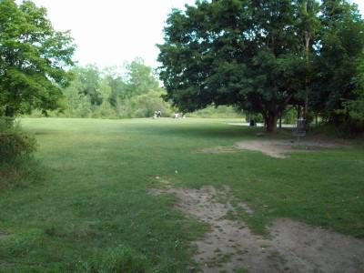 Grand Woods Park, Main course, Hole 11 Short approach