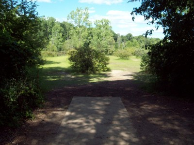 Grand Woods Park, Main course, Hole 9 Tee pad