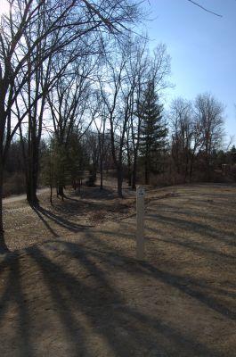 Addison Oaks County Park, Main course, Hole 2 Tee pad