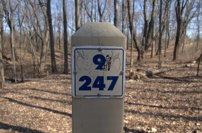 Addison Oaks County Park, Main course, Hole 9 Hole sign