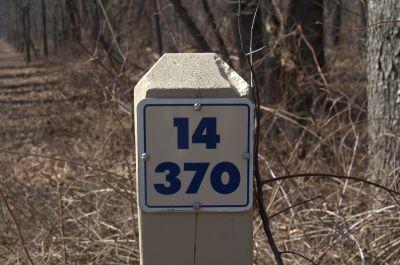 Addison Oaks County Park, Main course, Hole 14 Hole sign