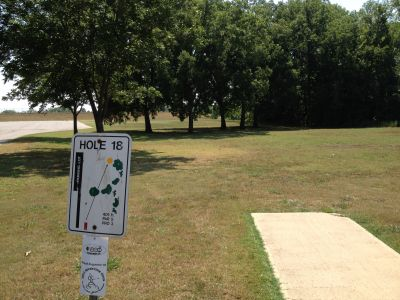 George E. Francis - Riverview Park, Main course, Hole 18 Tee pad