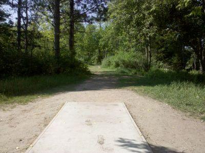 Fallasburg Park, Main course, Hole 2 Tee pad