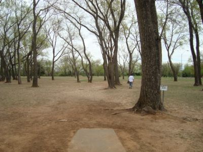 Dolese Youth Park, Main course, Hole 2 Tee pad