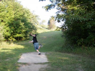 Mason County Park, Beauty, Hole 18 Short tee pad