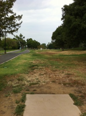 Riverside Park, Main course, Hole 6 Tee pad