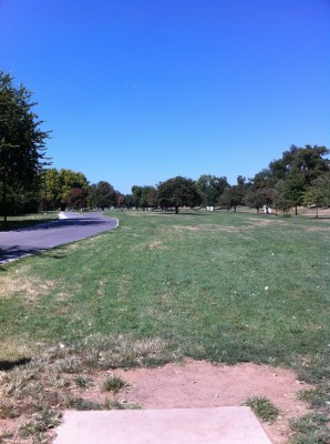 Riverside Park, Main course, Hole 10 Tee pad