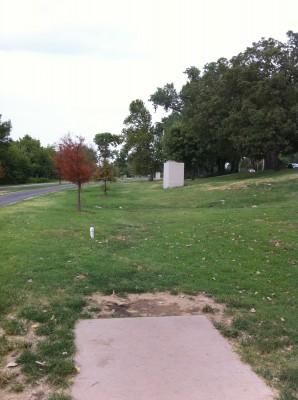 Riverside Park, Main course, Hole 5 Tee pad