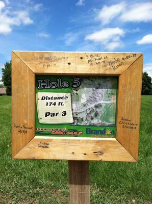 Pioneer Park, Main course, Hole 5 Hole sign