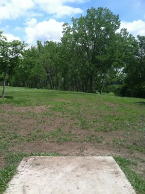 Pioneer Park, Main course, Hole 4 Tee pad