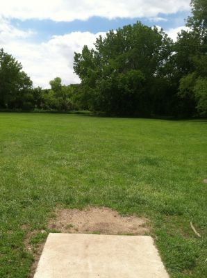 Pioneer Park, Main course, Hole 1 Tee pad