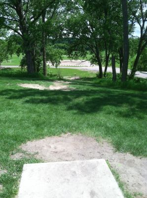 Pioneer Park, Main course, Hole 5 Tee pad