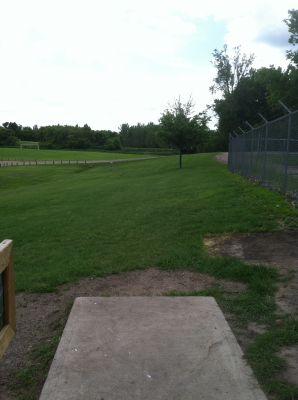 Pioneer Park, Main course, Hole 9 Tee pad
