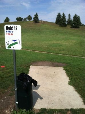 Larson Park, Main course, Hole 12 Tee pad