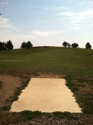 Larson Park, Main course, Hole 17 Tee pad