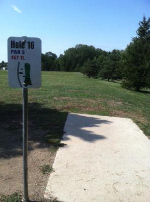 Larson Park, Main course, Hole 16 Tee pad