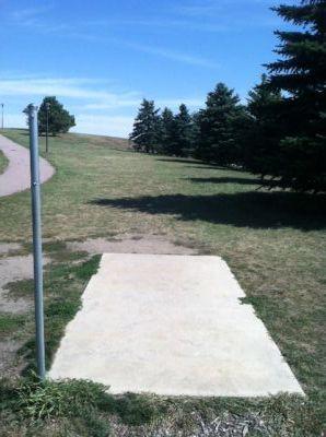 Larson Park, Main course, Hole 10 Tee pad