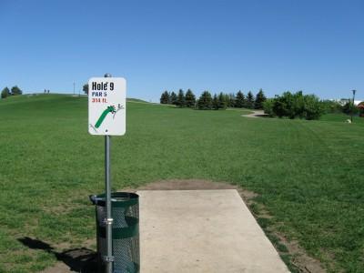 Larson Park, Main course, Hole 9 Tee pad