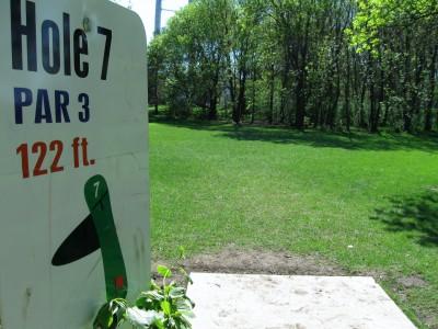 Larson Park, Main course, Hole 7 Tee pad
