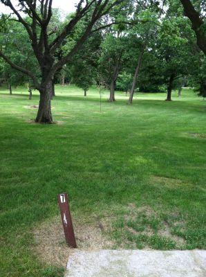 Oakwood Lakes State Park, Main course, Hole 7 Tee pad