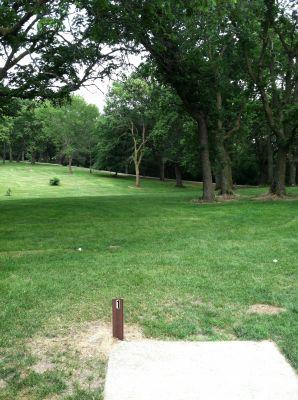 Oakwood Lakes State Park, Main course, Hole 1 Tee pad