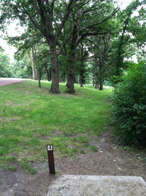 Oakwood Lakes State Park, Main course, Hole 4 Tee pad