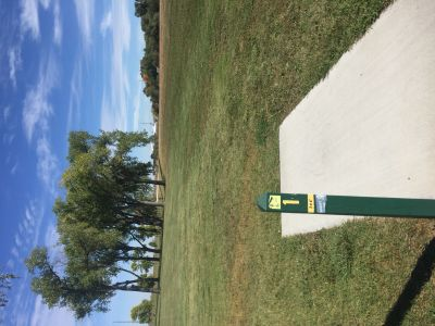 Huron Municipal Park, Main course, Hole 1 Tee pad