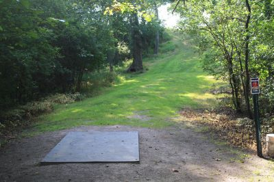 LaBolt Park, Main course, Hole 7 Tee pad