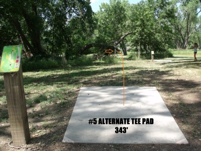 Oahe Downstream, Main course, Hole 5 Long tee pad