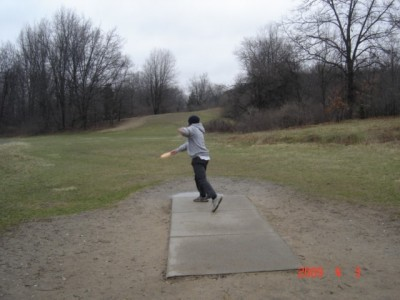 Kensington Metropark, Main course, Hole 2 Short tee pad