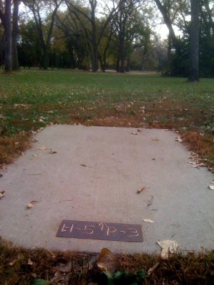 Brown Memorial Park, Main course, Hole 5 Tee pad