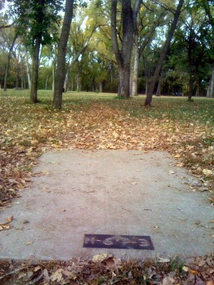 Brown Memorial Park, Main course, Hole 6 Tee pad