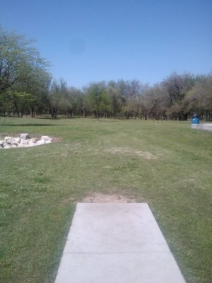 Derby DGC, Main course, Hole 1 Tee pad