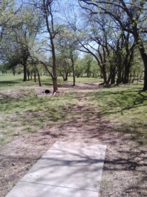 Derby DGC, Main course, Hole 4 Tee pad