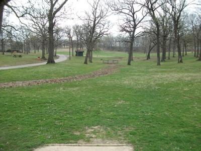 Gunn Park, Main course, Hole 6 Tee pad