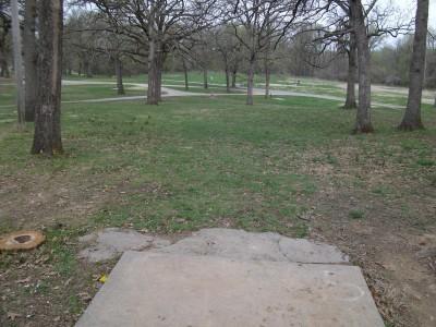 Gunn Park, Main course, Hole 5 Tee pad