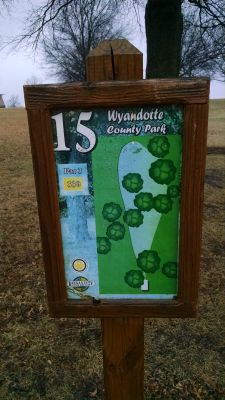 Wyandotte County Park, Main course, Hole 15 Hole sign