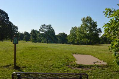 Wyandotte County Park, Main course, Hole 16 Tee pad