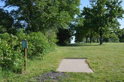 Wyandotte County Park, Main course, Hole 12 Tee pad