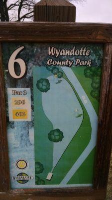 Wyandotte County Park, Main course, Hole 6 Hole sign